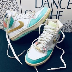 💕HOST PICK💕 Nike Court Force Retro Hightops 💎